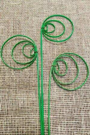 """Sprężynka rattanowa """"pawie oczko"""" kolor zielony"""
